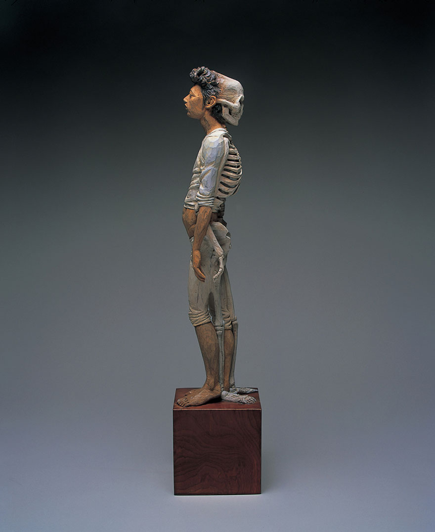 yoshitoshi-kanemaki-sculpture-half-man-half-skeleton