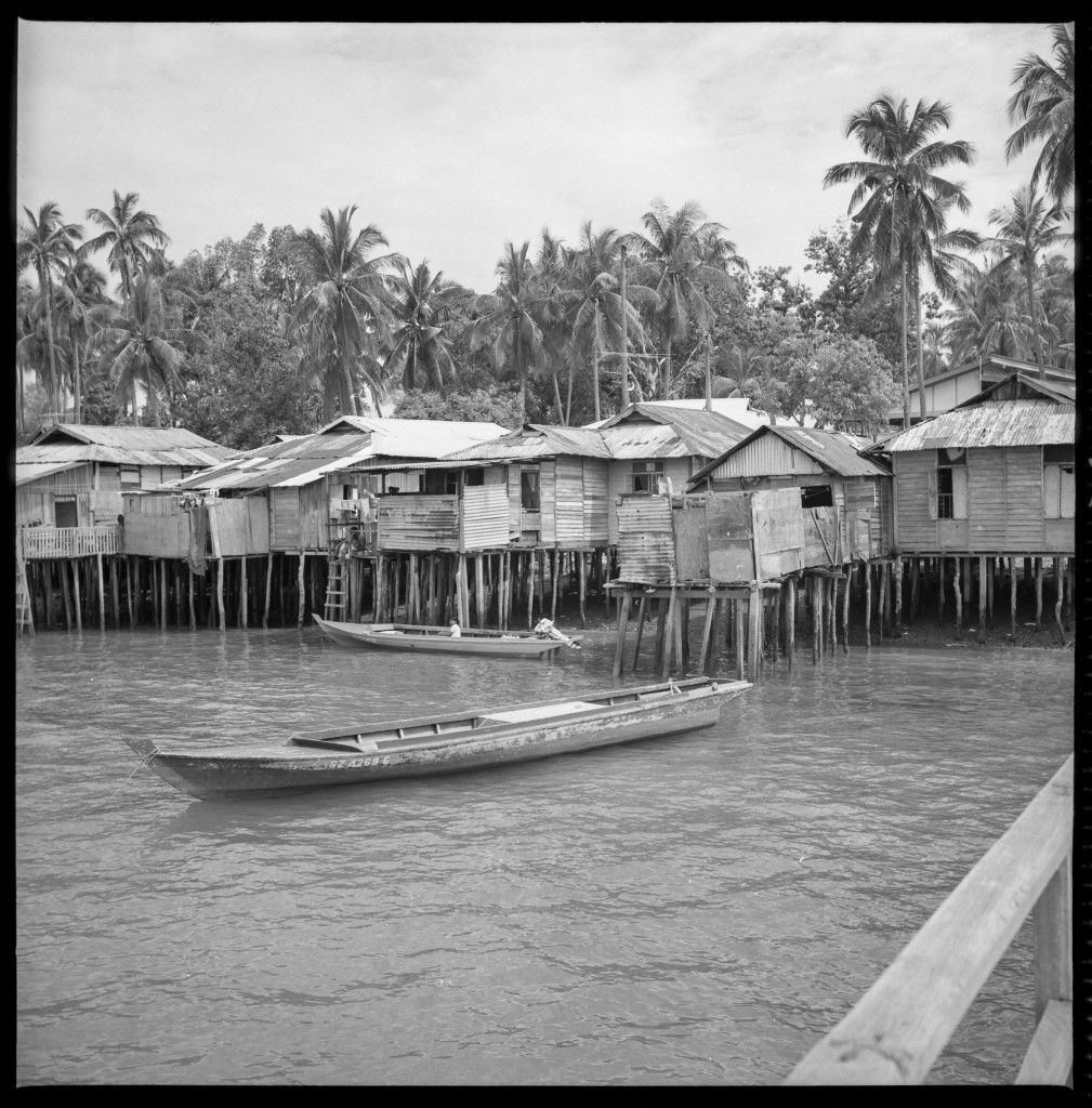 Houses along the coast of Pulau Seking in 1982.  Image courtesy of Geoffrey Benjamin.
